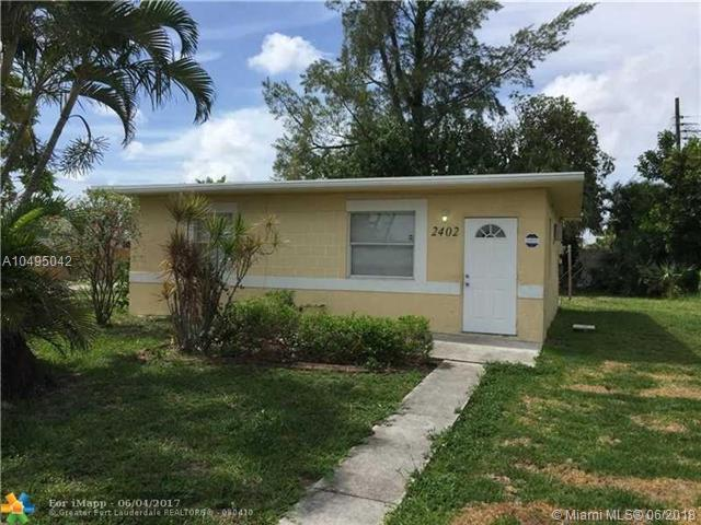 2402 NW 9th St, Pompano Beach, FL 33069 (MLS #A10495042) :: The Teri Arbogast Team at Keller Williams Partners SW