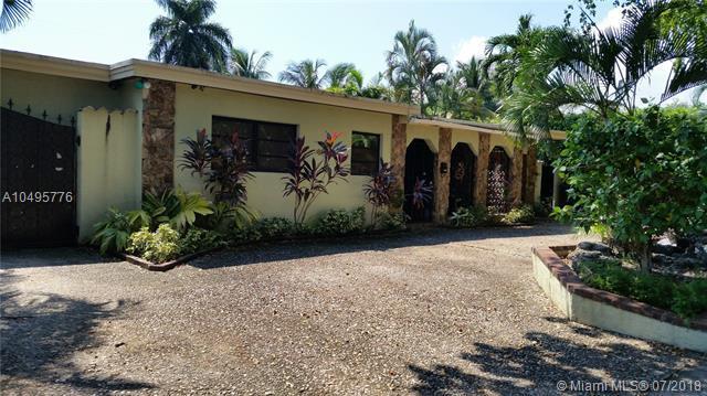 2120 Alamanda Dr, North Miami, FL 33181 (MLS #A10495776) :: The Teri Arbogast Team at Keller Williams Partners SW
