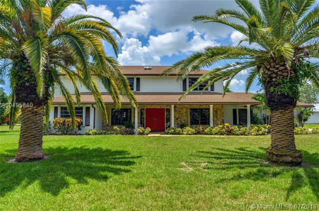 4024 Frances Dr, Delray Beach, FL 33445 (MLS #A10495840) :: Stanley Rosen Group