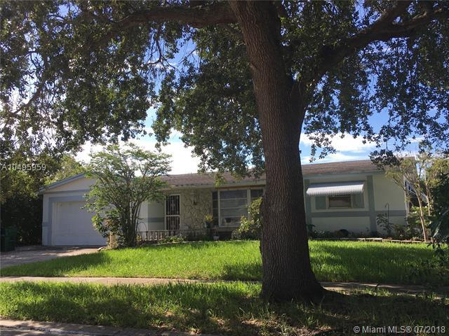 6593 NW 1st St, Margate, FL 33063 (MLS #A10495959) :: The Teri Arbogast Team at Keller Williams Partners SW