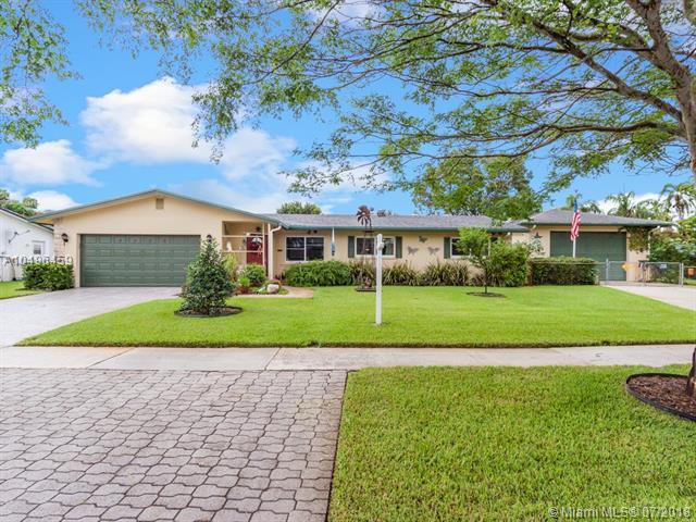 4150 NW 10th St, Coconut Creek, FL 33066 (MLS #A10496459) :: The Riley Smith Group
