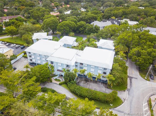 1150 Madruga Ave A201, Coral Gables, FL 33146 (MLS #A10496665) :: Carole Smith Real Estate Team