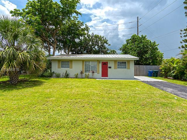 4901 NE 13th Ave, Oakland Park, FL 33334 (MLS #A10496816) :: The Teri Arbogast Team at Keller Williams Partners SW