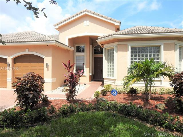 4602 SW 185th Ave, Miramar, FL 33029 (MLS #A10497036) :: The Teri Arbogast Team at Keller Williams Partners SW
