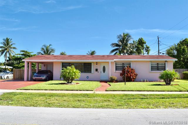 871 NW 172nd Ter, Miami Gardens, FL 33169 (MLS #A10497487) :: The Chenore Real Estate Group