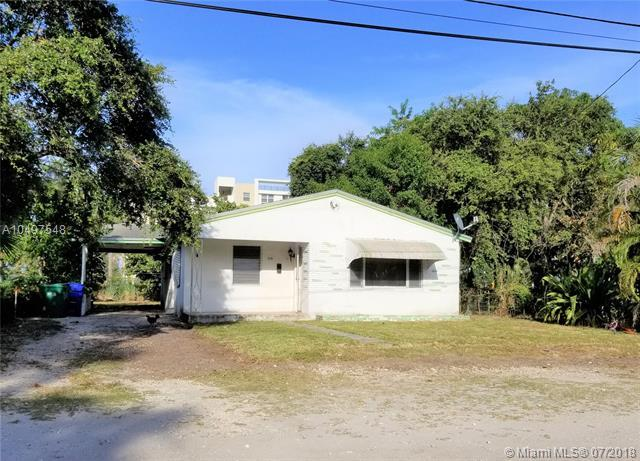 316 NW 7th Ave, Pompano Beach, FL 33060 (MLS #A10497548) :: The Teri Arbogast Team at Keller Williams Partners SW