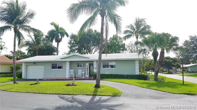 7173 E Tropical Way, Plantation, FL 33317 (MLS #A10498065) :: The Teri Arbogast Team at Keller Williams Partners SW
