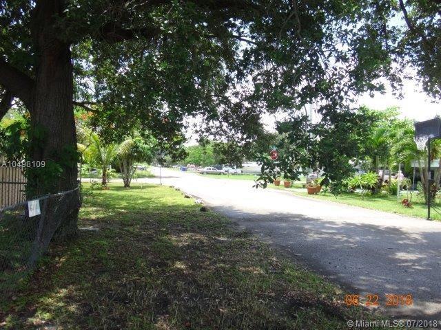 6270 Arthur St, Hollywood, FL 33024 (MLS #A10498109) :: The Riley Smith Group
