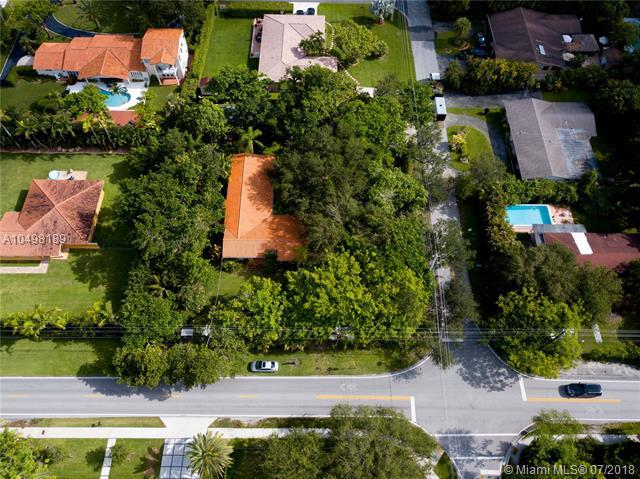 5907 SW 80th St, South Miami, FL 33143 (MLS #A10498189) :: Hergenrother Realty Group Miami