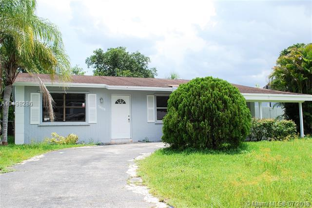7808 SW 7th St, North Lauderdale, FL 33068 (MLS #A10498286) :: The Teri Arbogast Team at Keller Williams Partners SW