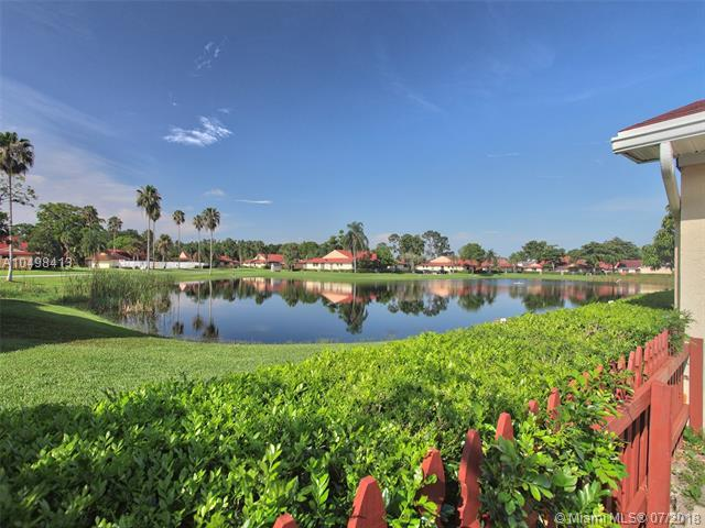 4365 Woodstock Dr D, West Palm Beach, FL 33409 (MLS #A10498413) :: The Riley Smith Group