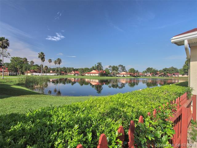 4365 Woodstock Dr D, West Palm Beach, FL 33409 (MLS #A10498413) :: The Teri Arbogast Team at Keller Williams Partners SW