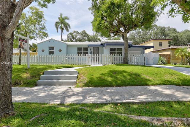 764 NE 73rd St, Miami, FL 33138 (MLS #A10498716) :: The Jack Coden Group