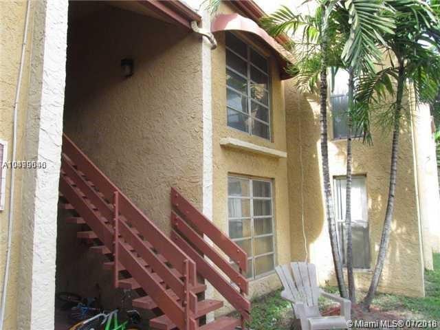 4457 Treehouse Ln H, Tamarac, FL 33319 (MLS #A10499040) :: The Teri Arbogast Team at Keller Williams Partners SW