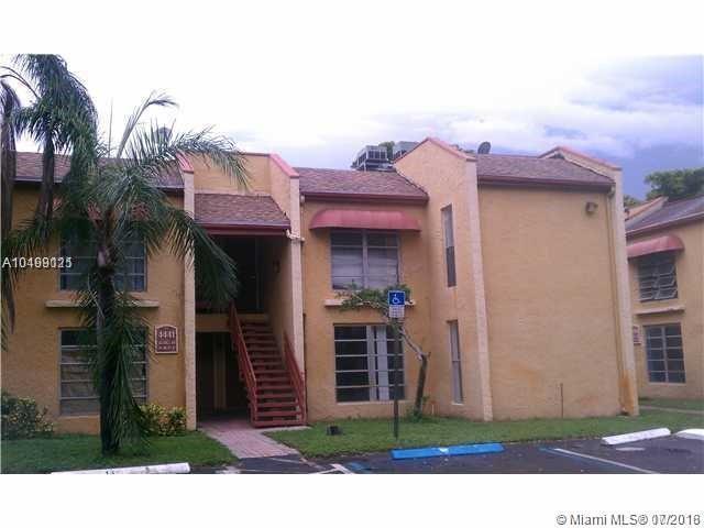 4441 Treehouse Ln E, Tamarac, FL 33319 (MLS #A10499121) :: The Teri Arbogast Team at Keller Williams Partners SW