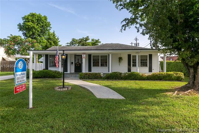 41 NW 13 ST, Homestead, FL 33030 (MLS #A10499488) :: The Teri Arbogast Team at Keller Williams Partners SW