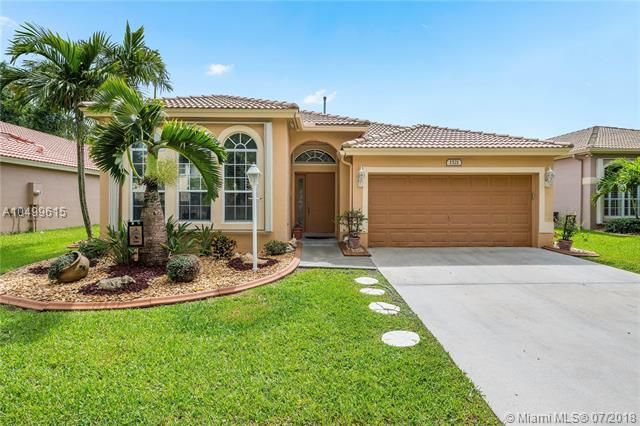 1521 NW 132nd Ave, Pembroke Pines, FL 33028 (MLS #A10499615) :: Green Realty Properties