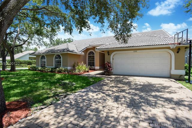 12681 Magnolia Ct, Coral Springs, FL 33071 (MLS #A10500132) :: The Riley Smith Group