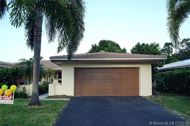3817 NW 84th Ave, Coral Springs, FL 33065 (MLS #A10500379) :: The Teri Arbogast Team at Keller Williams Partners SW