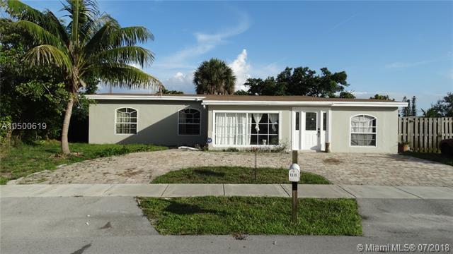 1310 NE 43rd Ct, Pompano Beach, FL 33064 (MLS #A10500619) :: Green Realty Properties
