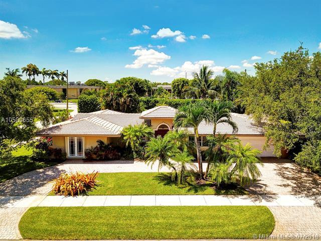 8740 SW 87th St, Miami, FL 33173 (MLS #A10500655) :: Green Realty Properties