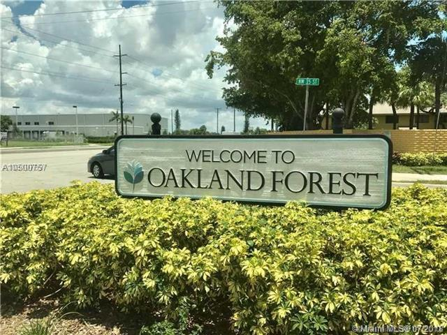 2720 S Oakland Forest Dr #803, Oakland Park, FL 33309 (MLS #A10500757) :: The Riley Smith Group