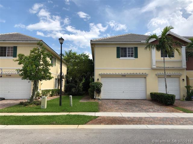 7752 Deercreek Ct, Davie, FL 33328 (MLS #A10500966) :: The Riley Smith Group