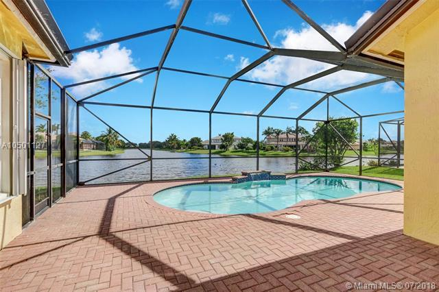 7028 NW 111th Ter, Parkland, FL 33076 (MLS #A10501127) :: The Chenore Real Estate Group