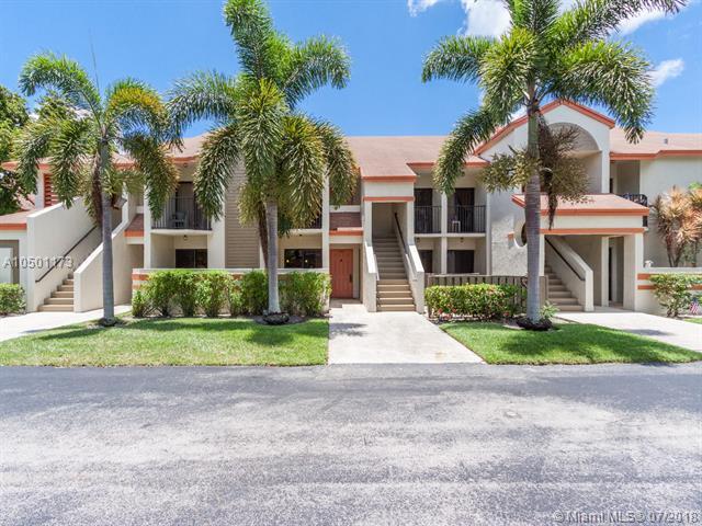 5581 Courtyard Dr #5581, Margate, FL 33063 (MLS #A10501173) :: The Teri Arbogast Team at Keller Williams Partners SW