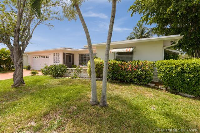7245 NW 7th St, Margate, FL 33063 (MLS #A10501273) :: Green Realty Properties