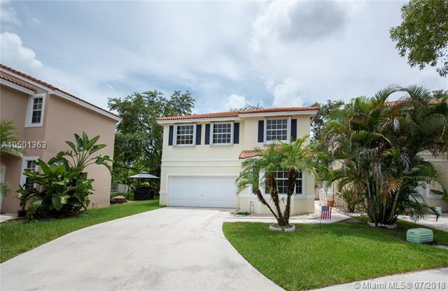 15302 SW 51st Mnr, Davie, FL 33331 (MLS #A10501363) :: RE/MAX Presidential Real Estate Group