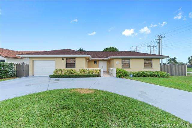 13632 SW 5th St, Miami, FL 33184 (MLS #A10501444) :: The Teri Arbogast Team at Keller Williams Partners SW