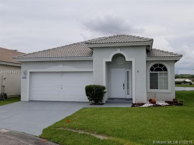 1250 SW 44 TE, Deerfield Beach, FL 33442 (MLS #A10501472) :: Miami Villa Team