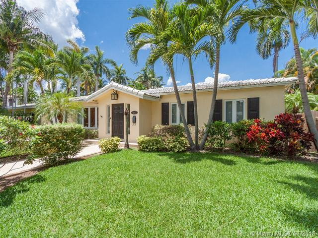 1443 Harrison St, Hollywood, FL 33020 (MLS #A10501565) :: The Riley Smith Group