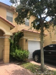 8145 NW 108th Ave, Doral, FL 33178 (MLS #A10502804) :: Ray De Leon with One Sotheby's International Realty