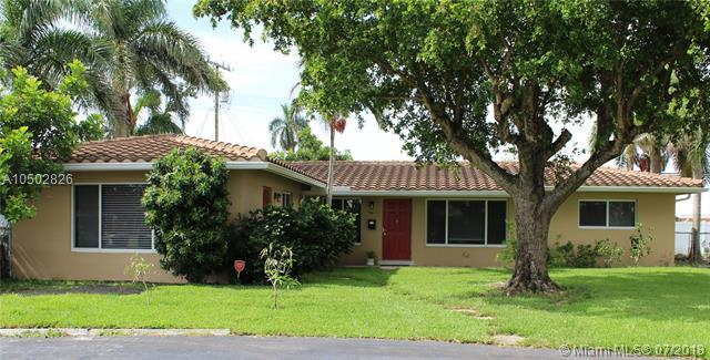 1700 NE 56th St, Fort Lauderdale, FL 33334 (MLS #A10502826) :: The Riley Smith Group
