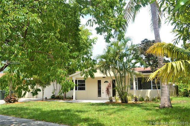 2029 NW 10th Ave, Fort Lauderdale, FL 33311 (MLS #A10502855) :: Green Realty Properties