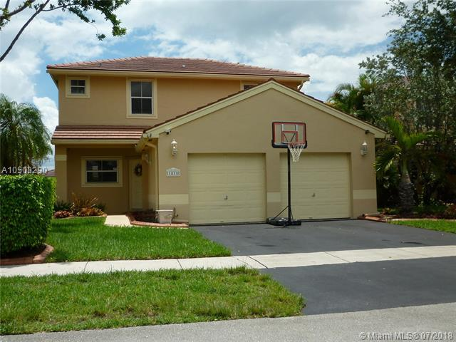 1815 NW 185th Ter, Pembroke Pines, FL 33029 (MLS #A10503290) :: The Teri Arbogast Team at Keller Williams Partners SW