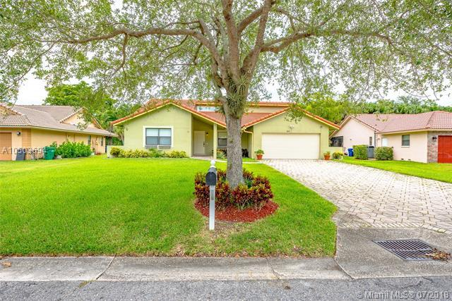 9275 NW 21st St, Coral Springs, FL 33071 (MLS #A10503694) :: The Riley Smith Group