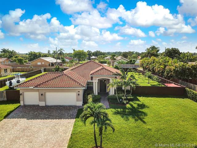 29051 SW 187th Ct, Homestead, FL 33030 (MLS #A10503773) :: The Teri Arbogast Team at Keller Williams Partners SW