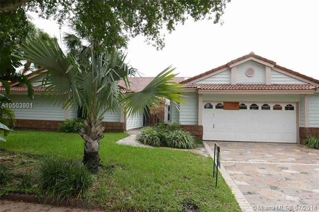 3245 Dockside Dr, Cooper City, FL 33026 (MLS #A10503801) :: RE/MAX Presidential Real Estate Group
