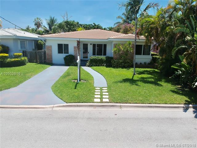 8943 Emerson Ave, Surfside, FL 33154 (MLS #A10503819) :: Calibre International Realty