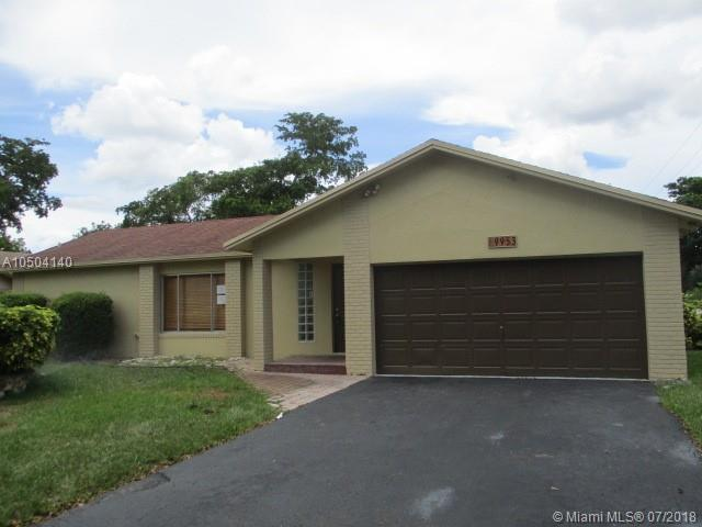 9953 NW 24 St, Coral Springs, FL 33065 (MLS #A10504140) :: Green Realty Properties