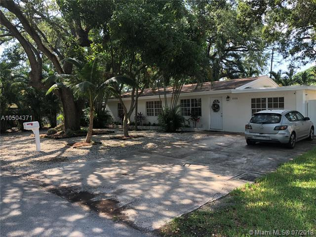 1510 SW 32nd Ct, Fort Lauderdale, FL 33315 (MLS #A10504371) :: The Teri Arbogast Team at Keller Williams Partners SW