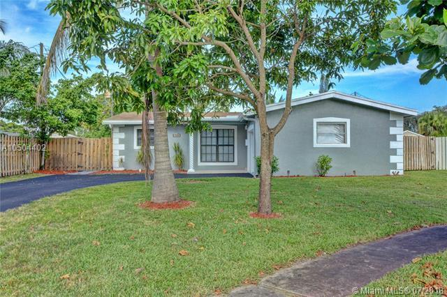 2251 NW 78th Ave, Sunrise, FL 33322 (MLS #A10504402) :: Green Realty Properties