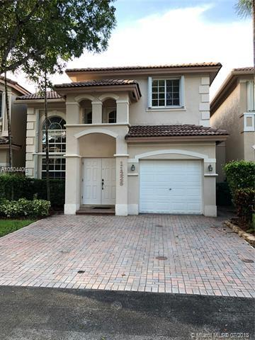 11225 NW 73rd St, Doral, FL 33178 (MLS #A10504406) :: Calibre International Realty
