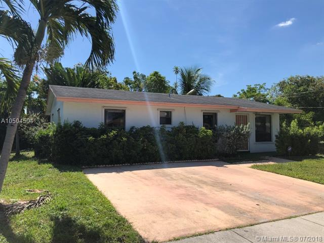 810 NW 3rd Ter, Hallandale, FL 33009 (MLS #A10504504) :: The Riley Smith Group