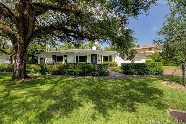 3600 Toledo St, Coral Gables, FL 33134 (MLS #A10504512) :: The Riley Smith Group