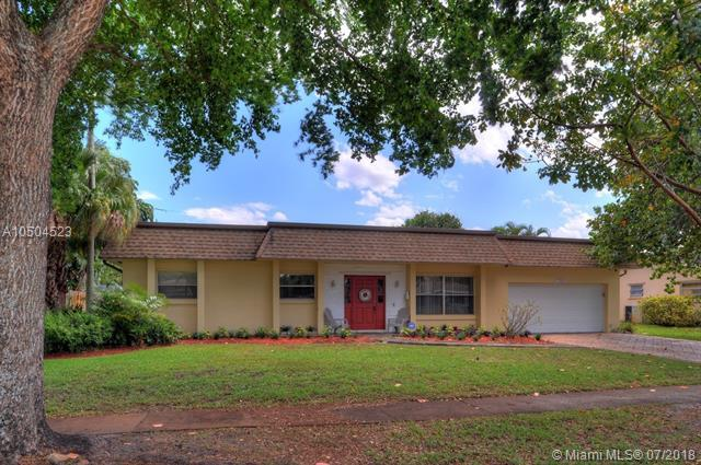 7320 NW 15th St, Plantation, FL 33313 (MLS #A10504523) :: The Riley Smith Group