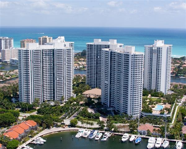 21055 Yacht Club Dr #301, Aventura, FL 33180 (MLS #A10504528) :: Calibre International Realty